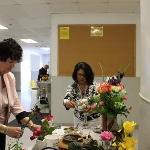 Speaker Peggy Martin and Eloisa Garza designing arrangements