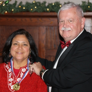 Jim Shultz presenting Eloisa Garza's award